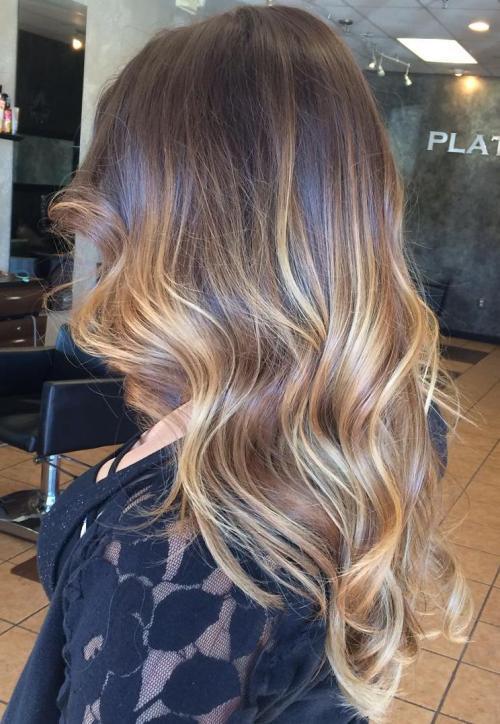Балаяж на волнистые волосы