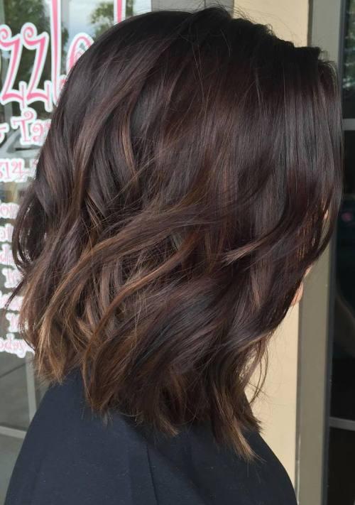 Темно-вишневый боб – балаяж на средние волосы