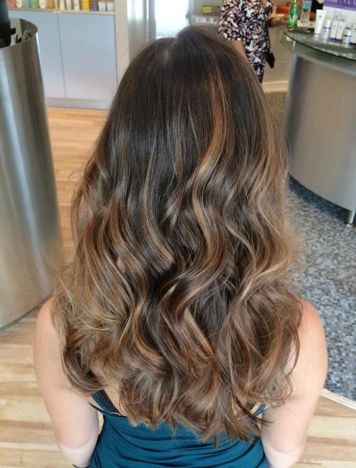 Блики Балаяж на волнистых волосах