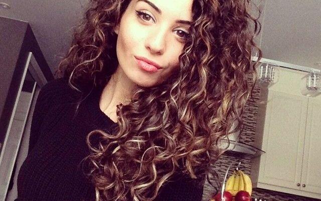 Как укротить вьющиеся волосы