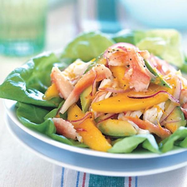 Тропический салат с крабами