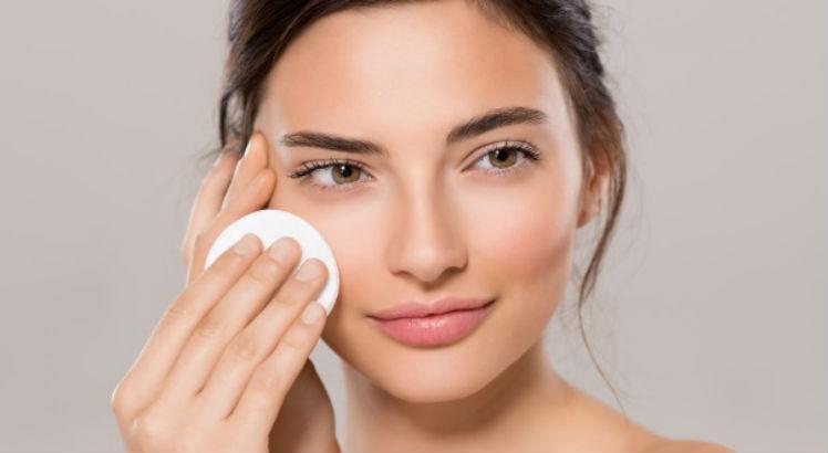 Снятие макияжа с глаз: основные правила