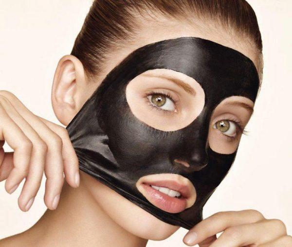 Уголь и желатин для молодости кожи