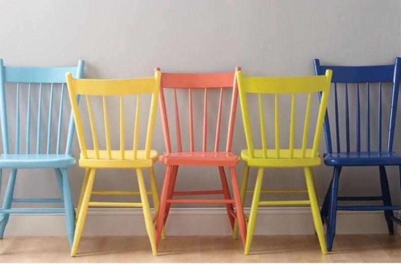 В зависимости от выбора цвета, вы можете сделать стулья винтажными